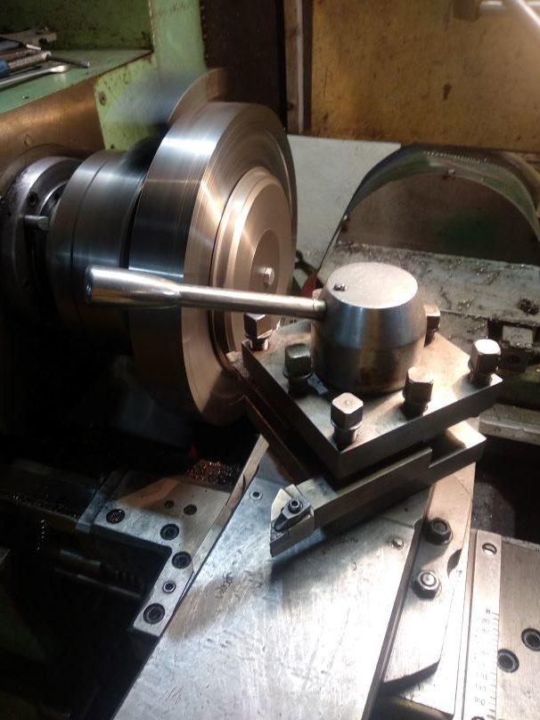Процесс изготовления дисковых ножей на специальной оснастке