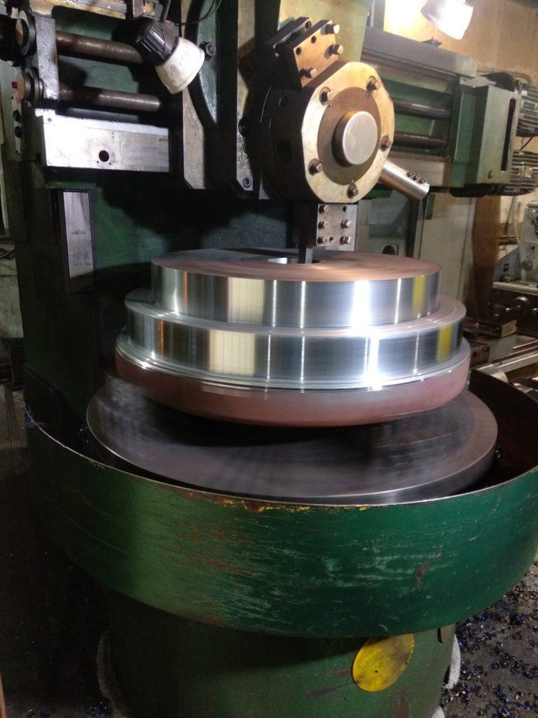 Заготовка-поковка 3 тонны, сталь 20. Токарно-карусельная обработка. Токарно-карусельный станок с ЧПУ1516Ф3.
