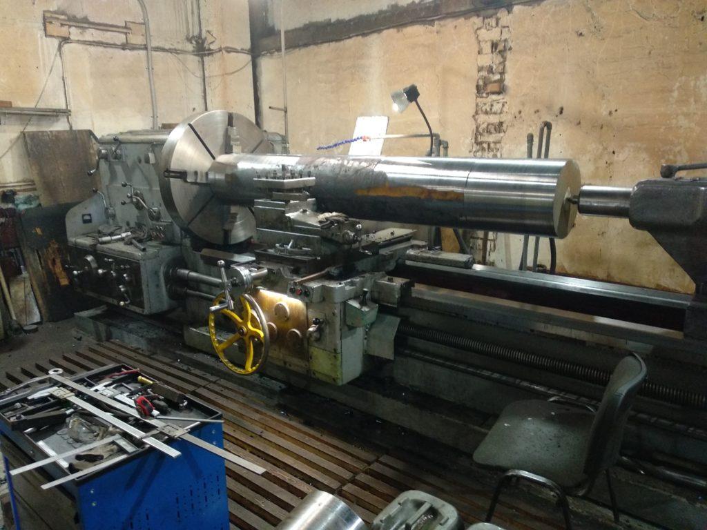 Токарный станок ДИП 500. Поковка Вал сталь 5ХНМ, длина 2750 мм.